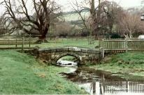 FC2-75-11 Hughenden Park bridge Jan 1995