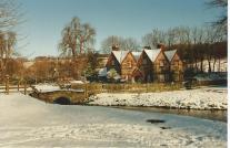 FC214-17 Hughenden Park entrace Lodges Dec 2000