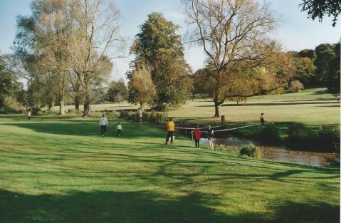 FC305-13 Hughenden Park (S) Oct 2002