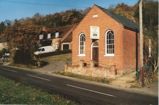 FC360-09 Bryants Bottom old chapel Nov 2003