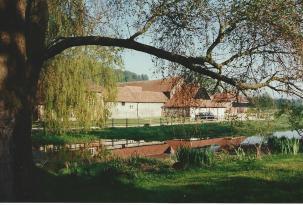 FC86-09 church Farm May 1995