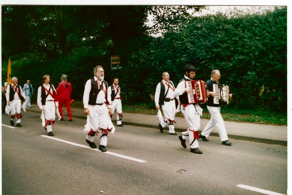 Accordion led Morris team 10